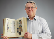 Alfred Schuster - Über uns - Mitarbeiter beim Quaternio Verlag Luzern