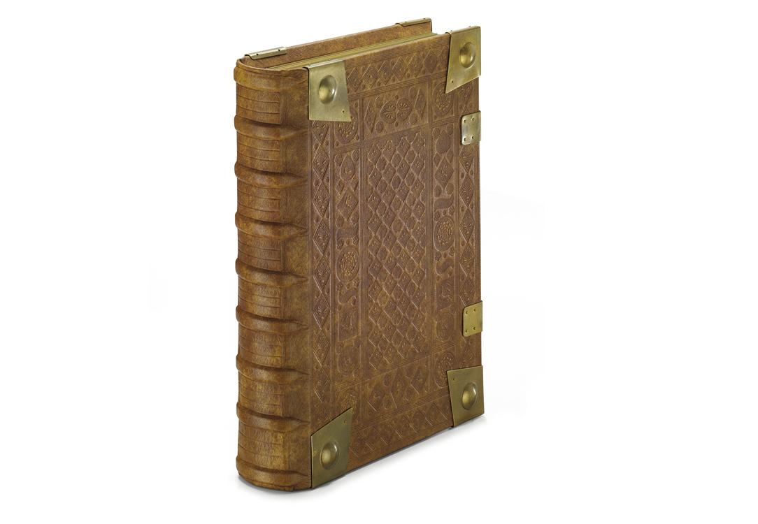 Codex Gisle, Ledereinband mit Blindprägung und Eckbeschlägen