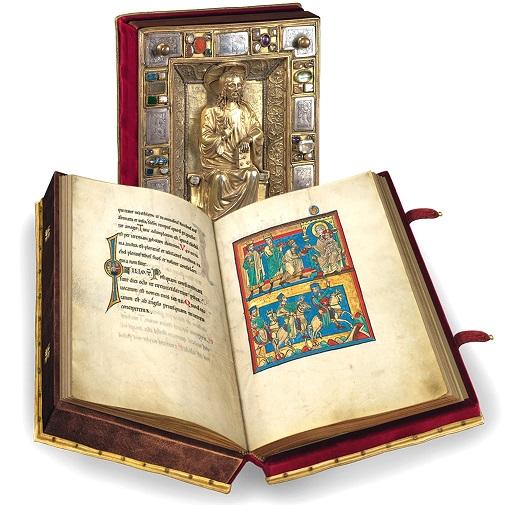 Speyerer Evangelistar, Faksimile-Edition, Band stehend und aufgeschlagen