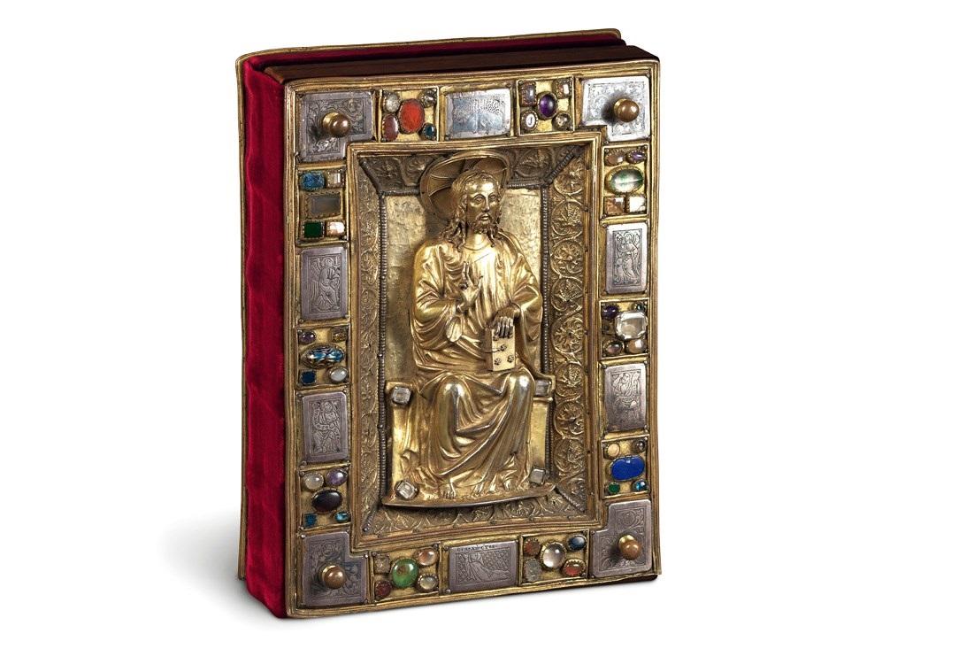 Speyerer Evangelistar, Prachteinband mit vergoldeter Christusfigur