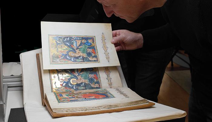 Breslauer Psalter, Andruckvergleich mit dem Original in Cambridge