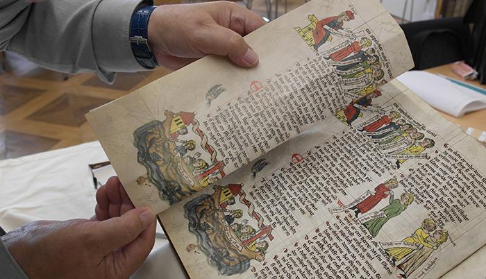 Andruckvergleich mit dem Original in der Forschungsbibliothek Gotha
