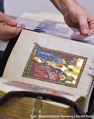 Bamberger Psalter, Originalvergleich (Überprüfung der Maße) in der Staatsbibliothek Bamberg