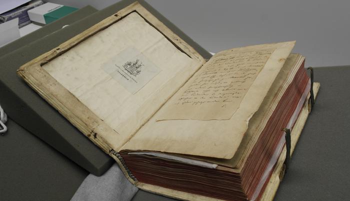 Stammheimer Missale, Vorderdeckel, Vertiefung auf der Innenseite